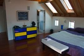 寝室,ベッドルーム,天窓,小窓,浴室,バスルーム
